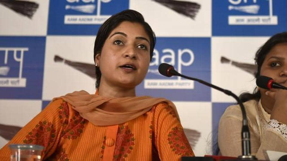 In a series of tweets, the AAP legislator claimed that she, too, received a call from a BJP leader.