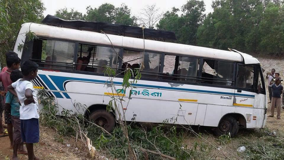 The van returning from a wedding function in Balumath collided head-on with the bus coming from the opposite direction.