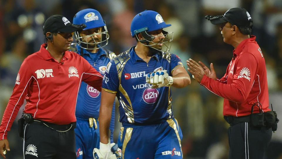 Rohit Sharma argues with umpire Sundaram Ravi during Mumbai Indians' Indian Premier League (IPl) 2017 match against
