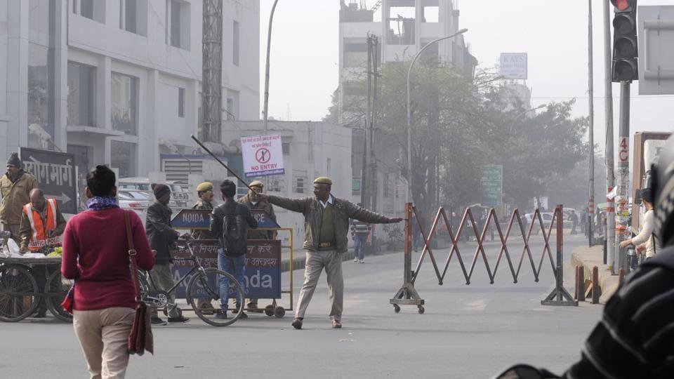 Noida,traffic jam,traffic movement