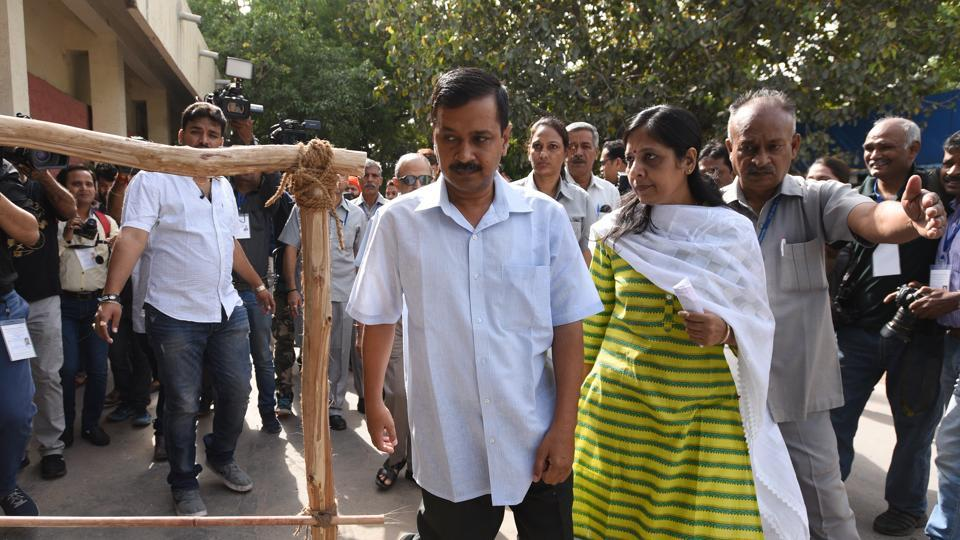 Delhi CM Arvind Kejriwal at a polling booth to cast his vote for the MCD elections 2017.