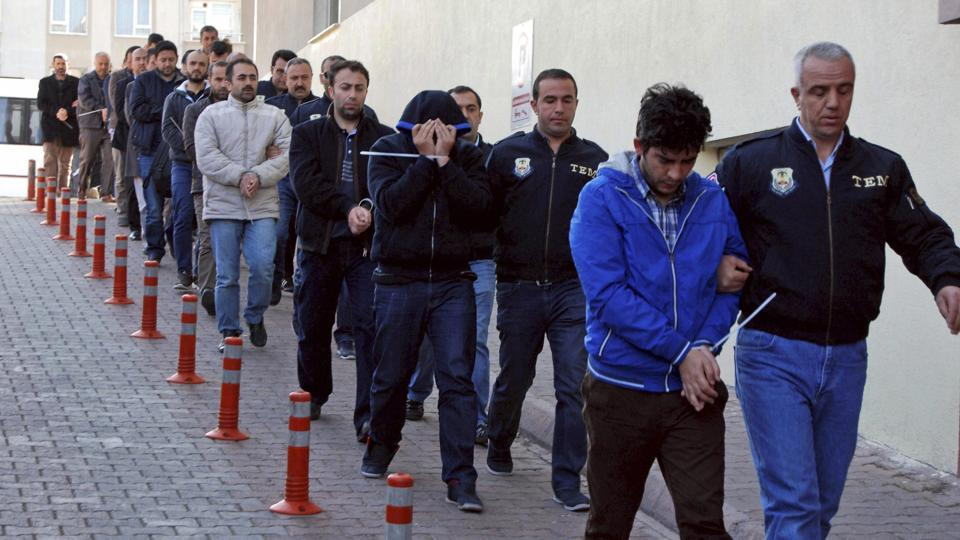 Turkey: hundreds more detained over suspected links to Gulen