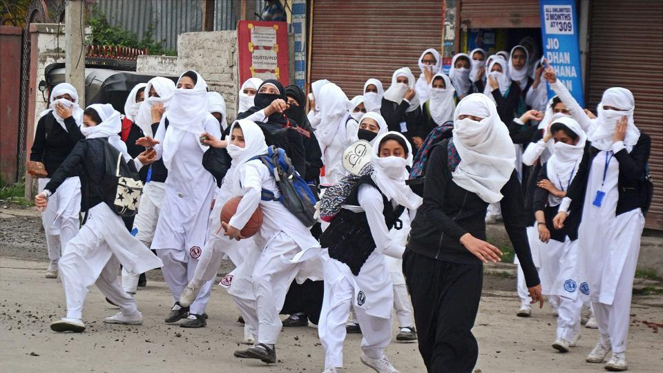 Kashmir unrest,Lal Chowk,Student protests in Kashmir