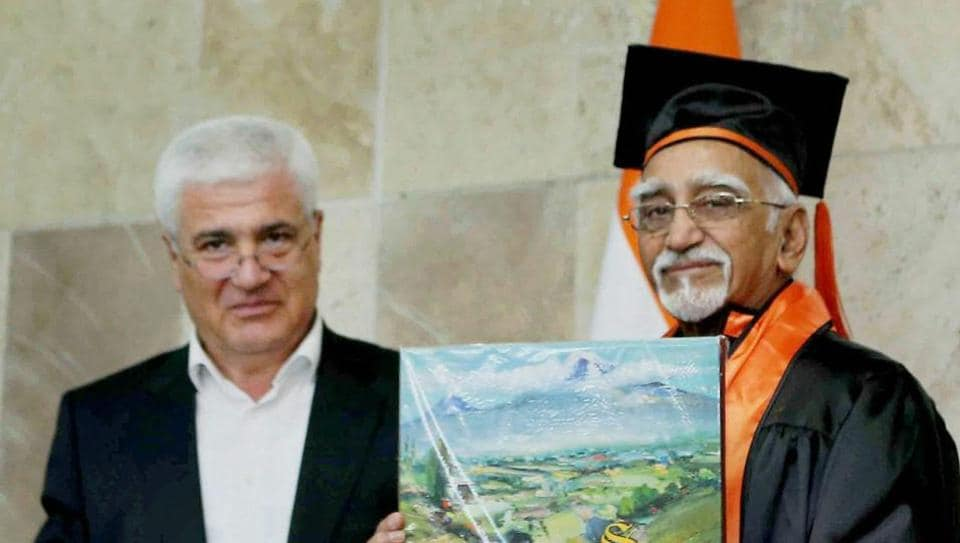 Vice president M Hamid Ansari being awarded honorary doctorate degree by Yerevan State University, in Yerevan, Armenia on April 26.