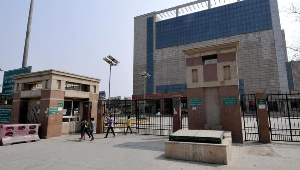Noida,Sector 30 hospital,AIIMS