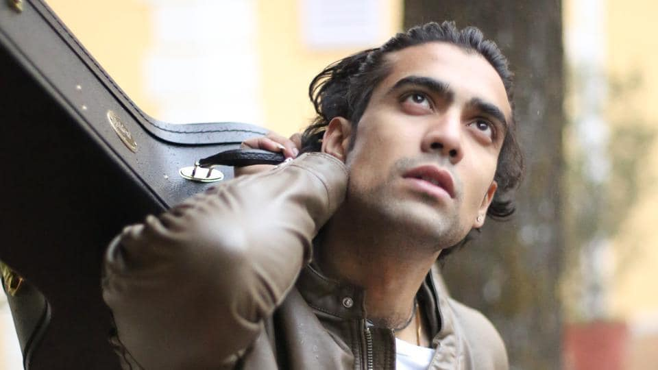 Jubin Nautiyal recently sang the title track for the TV show, Tu Sooraj Main Saanjh Piyaji.