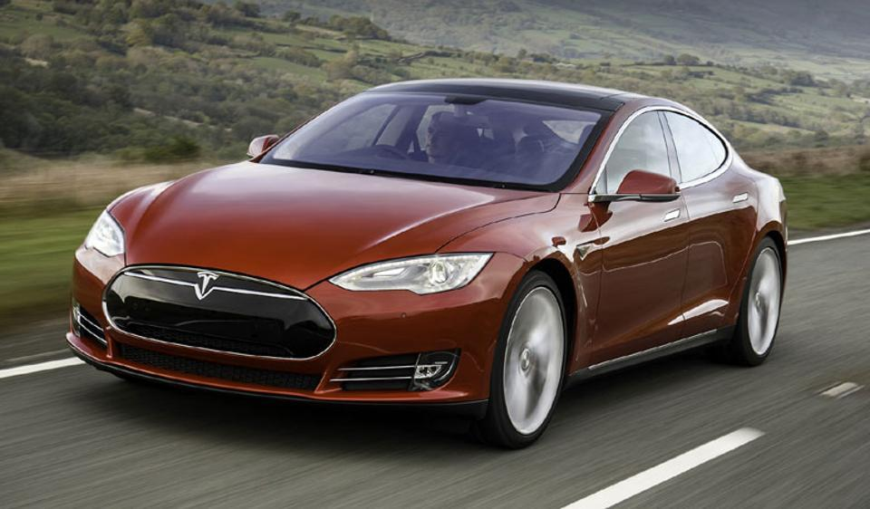 Tesla Model S fell third place behind the Lexus LS and BMW 7 Series after it failed to install emergency braking system as standard on the car.