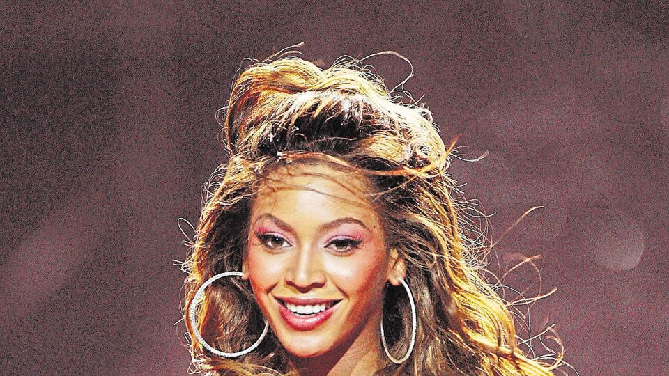 Singer Beyonce Knowles will offer scholarships to female students  who are unafraid to think out of the box