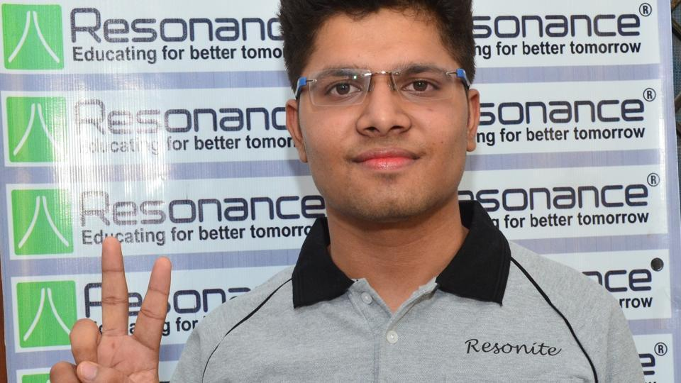 Rajasthan's Kalpit Veerwal has scored full marks and clinched the All India Rank 1 in the Joint Entrance Examination (JEE) Main 2017.