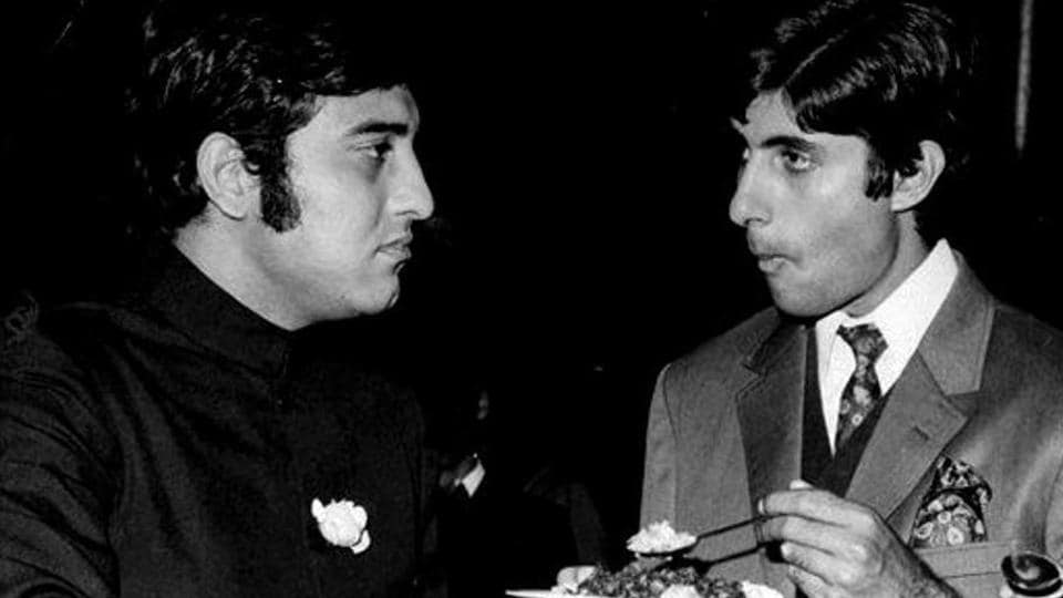 Vinod Khanna and Amitabh Bachchan were considered rivals in their day.