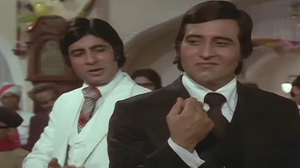 Vinod Khanna died due to complications from cancer on Thursday.