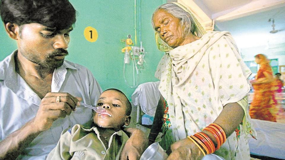 Medical experts say the government should focus on complete immunisation of vulnerable patients and maintaining regular surveillance in encephalitis-sensitive districts.