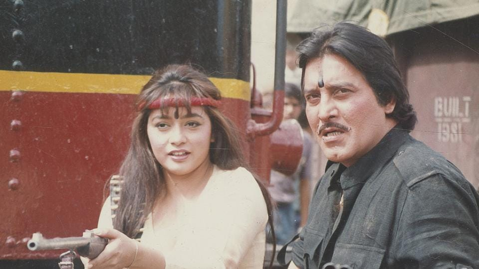 Vinod Khanna and Sahila Chaddha shooting for Dharam Sankat. (HT Photo)