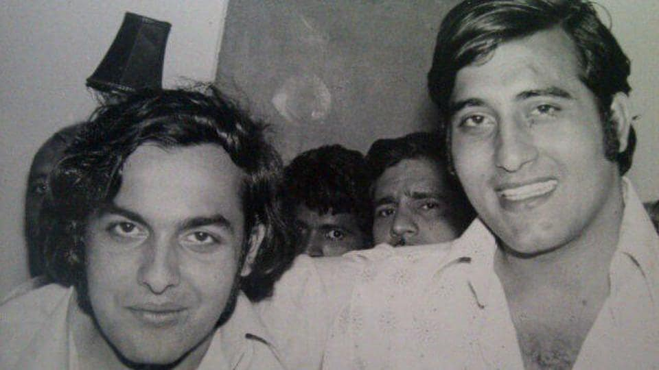 Mother's death had devastated Vinod Khanna.