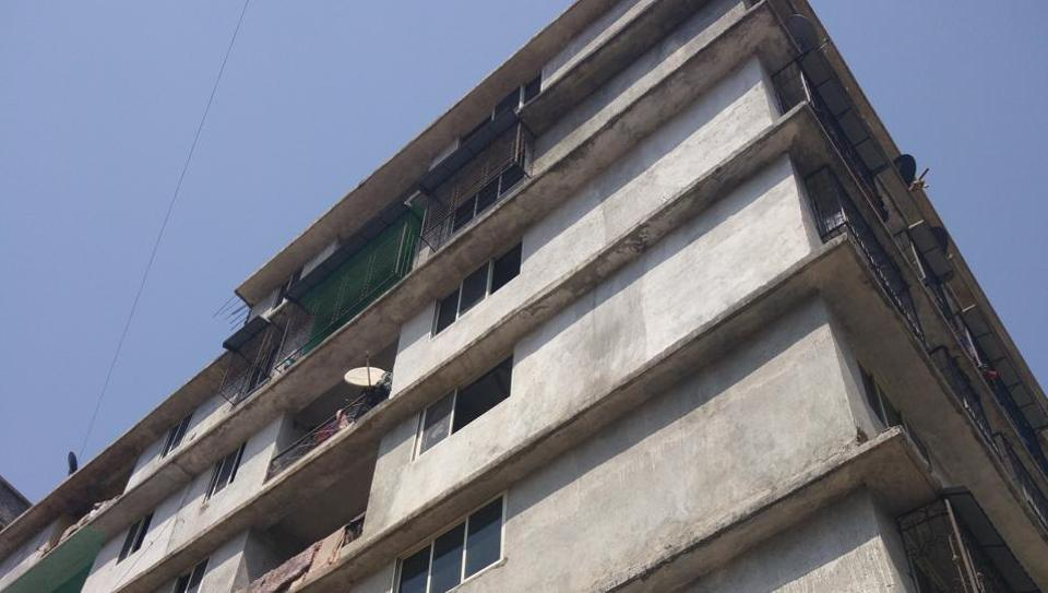 The building in Mumbra from where Nazim was arrested.