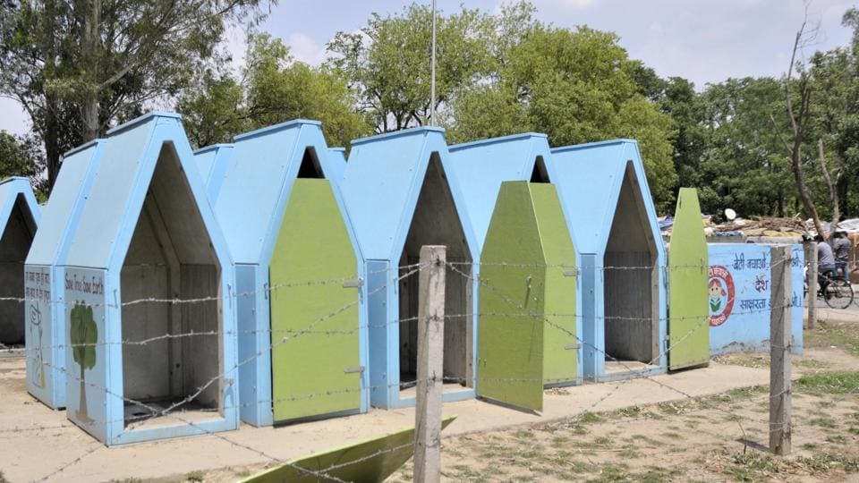 defecate in the open,Stinking movable toilets,re-locatable toilets