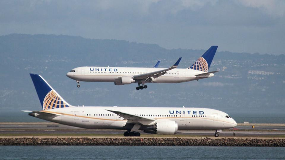United Airlines,Passenger dragged from airlines,Undisclosed settlement