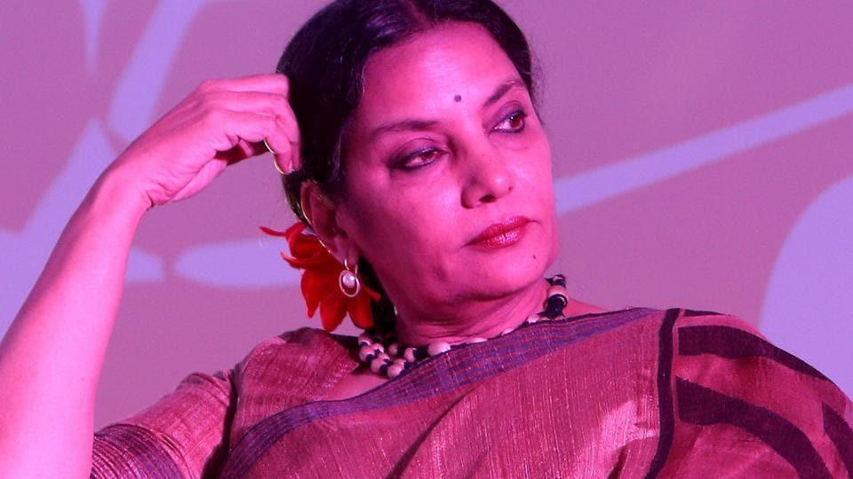 Actor Shabana Azmi worked with Vinod Khanna in films such as Lahu Ke Do Rang, Parvarish and Adha Din Aadhi Raat.