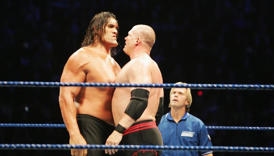 The Great Khali (L) is possibly the only Indian who has made it big in the World Wrestling Entertainment..
