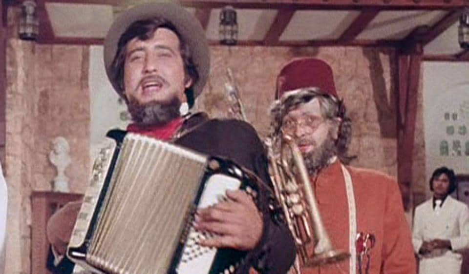 Rishi Kapoor and Vinod Khanna played brothers in Amar Akbar Anthony.