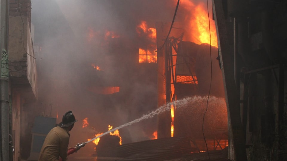The factory on fire in Ludhiana  on Saturday, April 29.