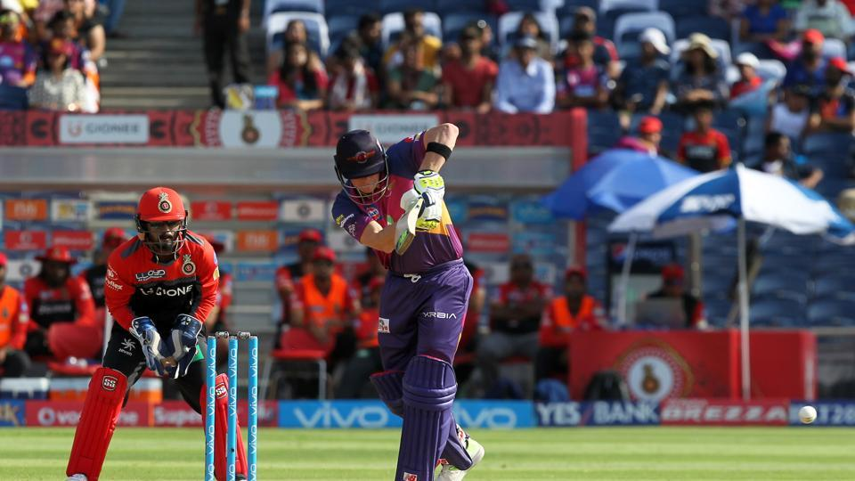 Steve Smith shared a fifty-run partnership with Manoj Tiwary to revive RPS. (BCCI)