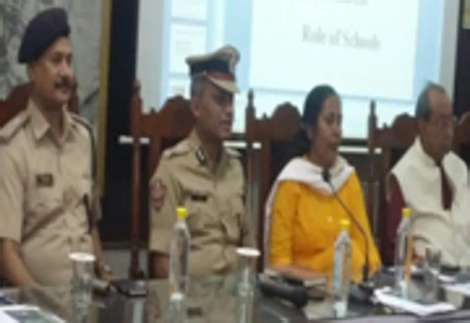 A meeting between police and representatives of schools held at Jaipur on Saturday to discuss measures to enhance safety of school-going  children.