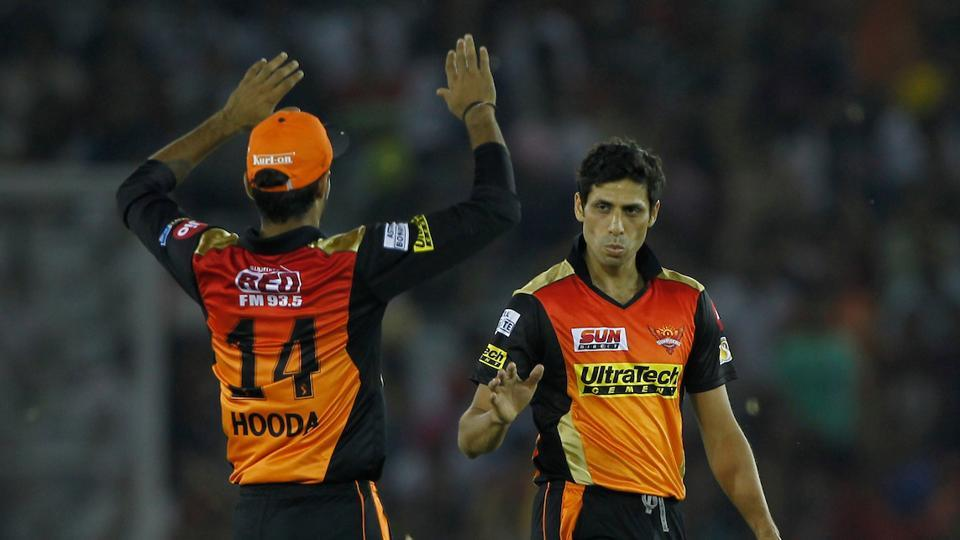 In reply, KXIP got off to a worst possible start as they lost both openers Martin Guptill and Manan Vohra in quick succession. Ashish Nehra removed Vohra while Bhuvneshwar Kumar got rid of the Kiwi opener.  (BCCI )