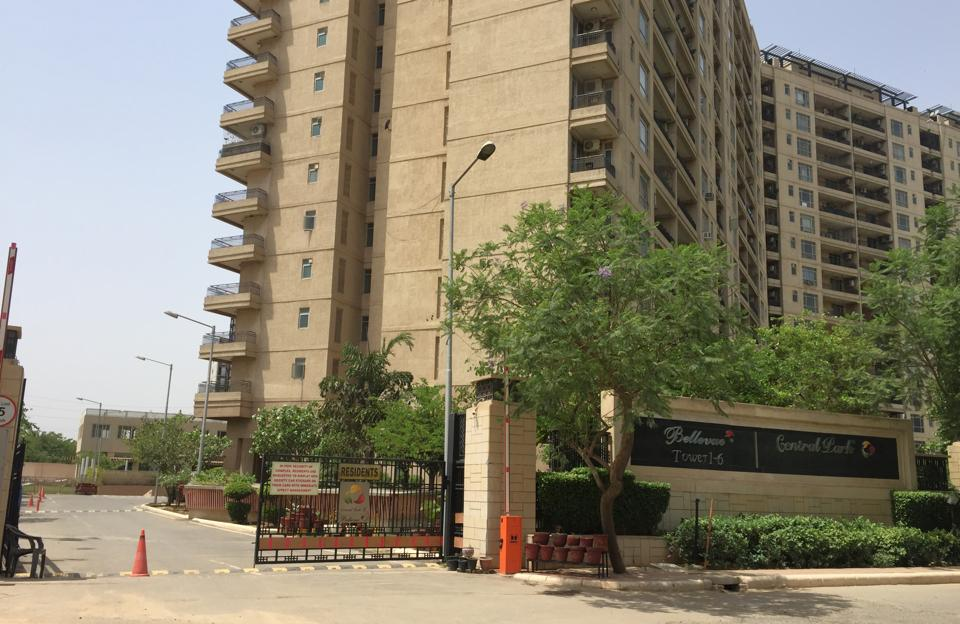 On April 22, one of the lifts in the condominium developed a snag. A family which was inside the lift had a close call.