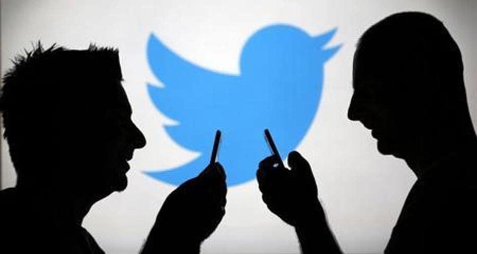 Twitter,Bloomberg,TV