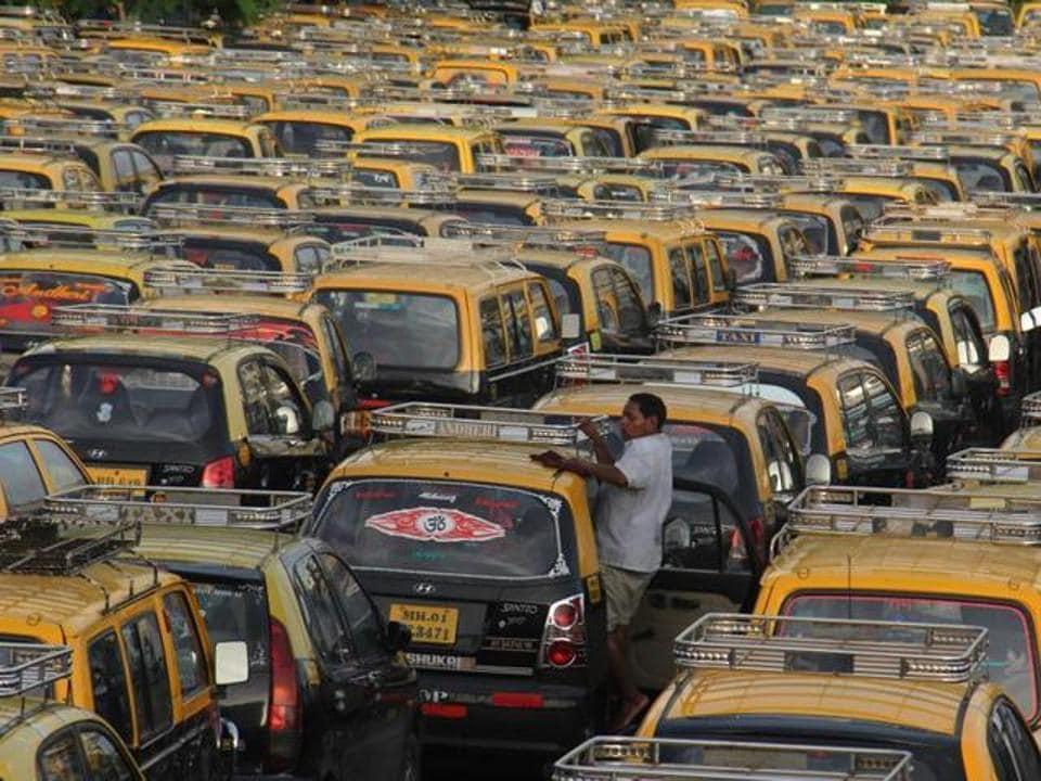 Mumbai taxis and autorickshaws