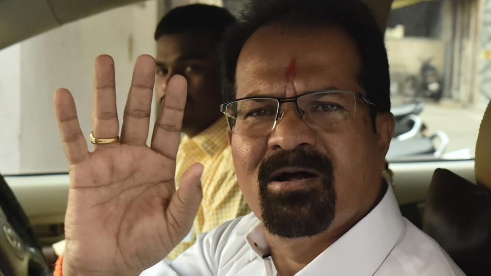 Vishwanath Mahadeshwar,Ajoy Mehta,Bal Thackeray