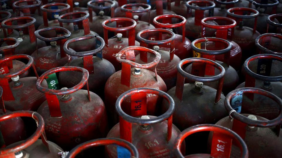 The police found a gas cylinder in the car and also found that all sources of ventilation in the vehicle were closed.