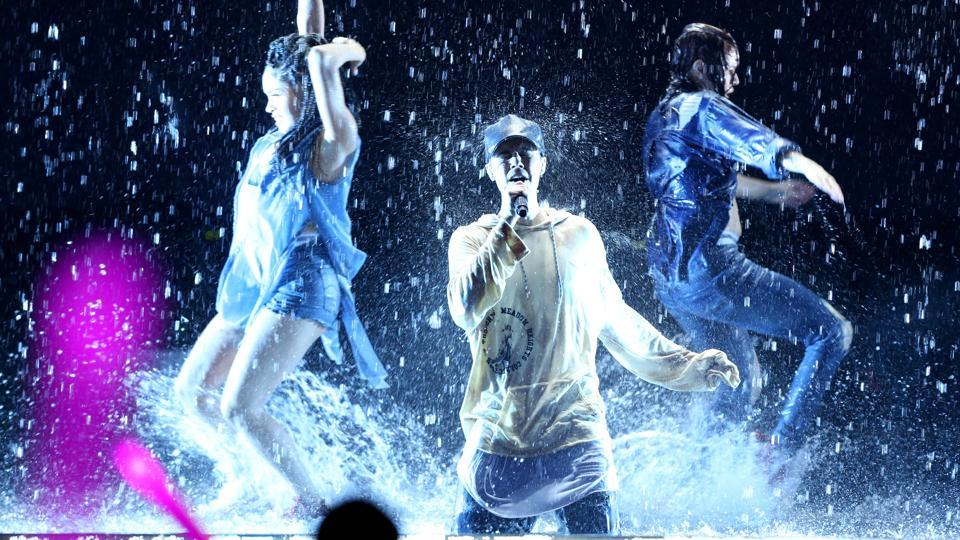 Justin Bieber performs at the American Music Awards at the Microsoft Theater on Nov. 22, 2015, in Los Angeles.