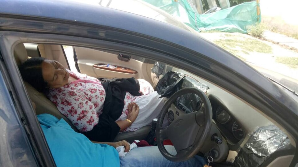 The family found dead as all sources of ventilation in the car were closed with a black polythene.