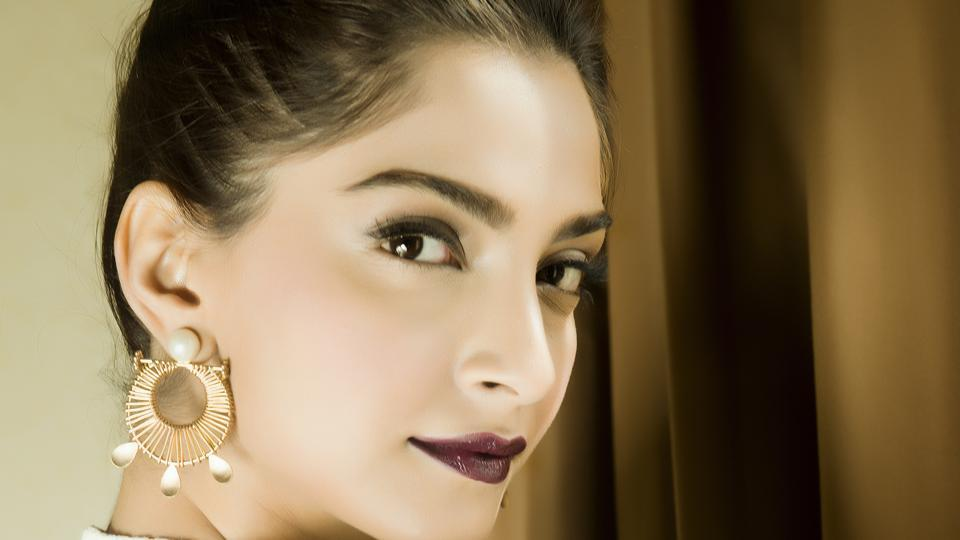 Sonam Kapoor will soon start shooting for Veere Di Wedding with Kareena Kapoor Khan, Swara Bhaskar and Shikha Talsania.