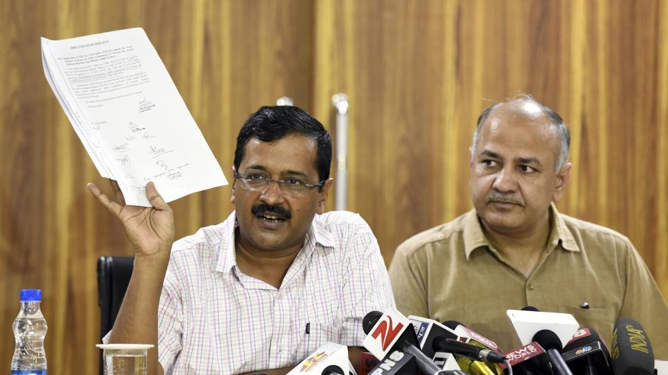 File photo of Delhi chief minister Arvind Kejriwal with deputy chief minister Manish Sisodia.  A keen reading of the manifestos of 2015 assembly polls and more recently, of the MCD polls, are proof enough that Kejriwal has deviated from the original promise that AAPset out with.