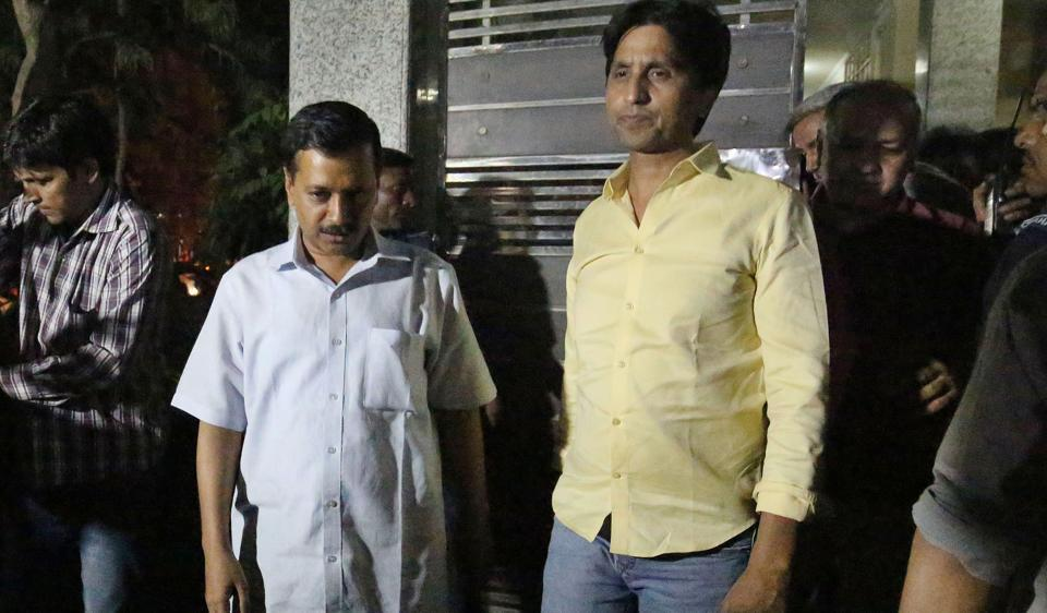 Delhi CM Arvind Kejriwal and his deputy Manish Sissodia went to the residence of Kumar Vishwas  on Tuesday to placate him.