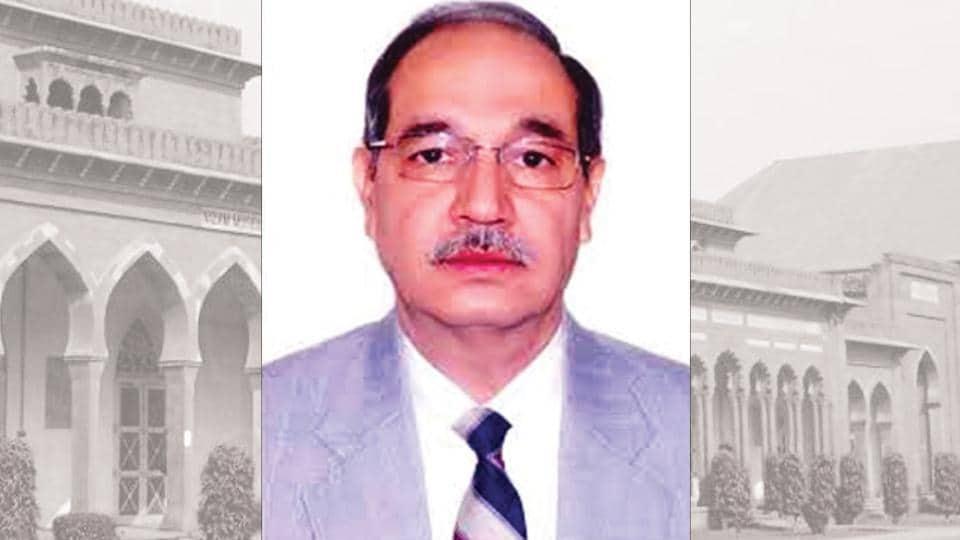 President Pranab Mukherjee, in his capacity as Aligarh Muslim University (AMU) visitor, has appointed JN Medical College principal Tariq Mansoor its next vice-chancellor.