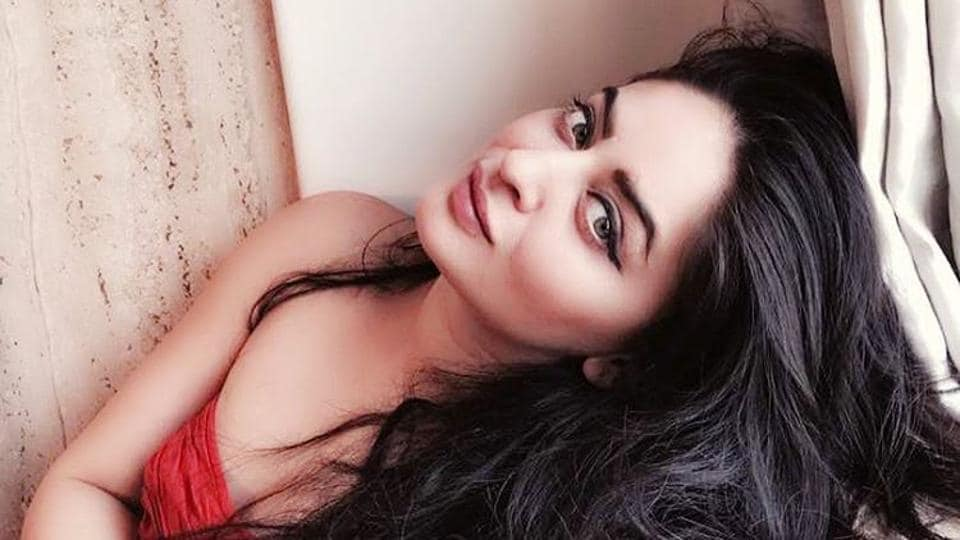 Mahhi Vij is famous for her role in Balika Vadhu.