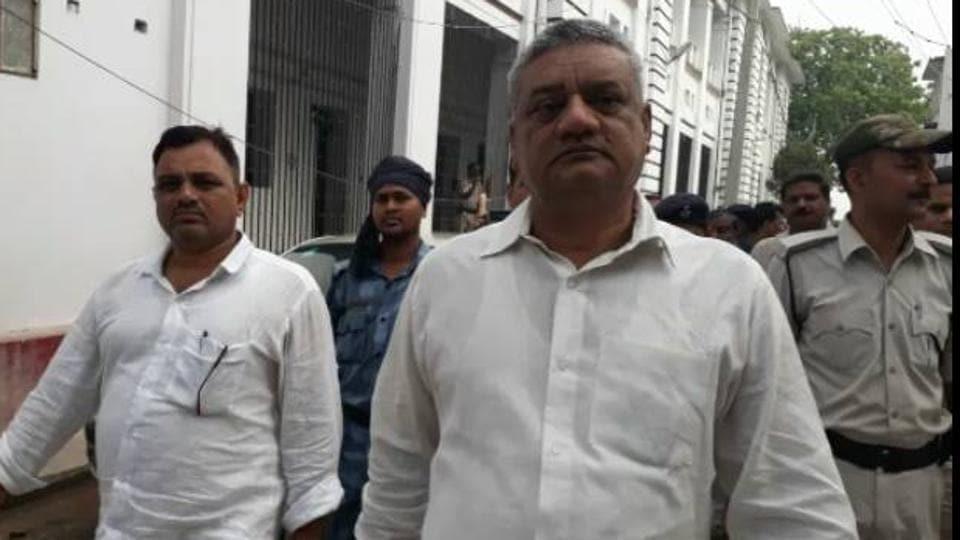 Bihar Police Men's Association president Nirmal Singh and office-bearer Shamsher Khan being taken to the court in Patna on Wednesday.