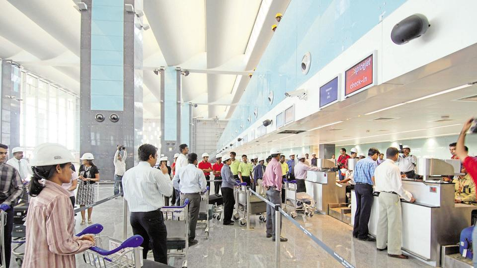 The government is working on facilitating entry into airports with the help of mobile phone and biometrics.