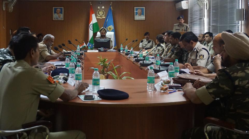 Maoists,high alert,LWE