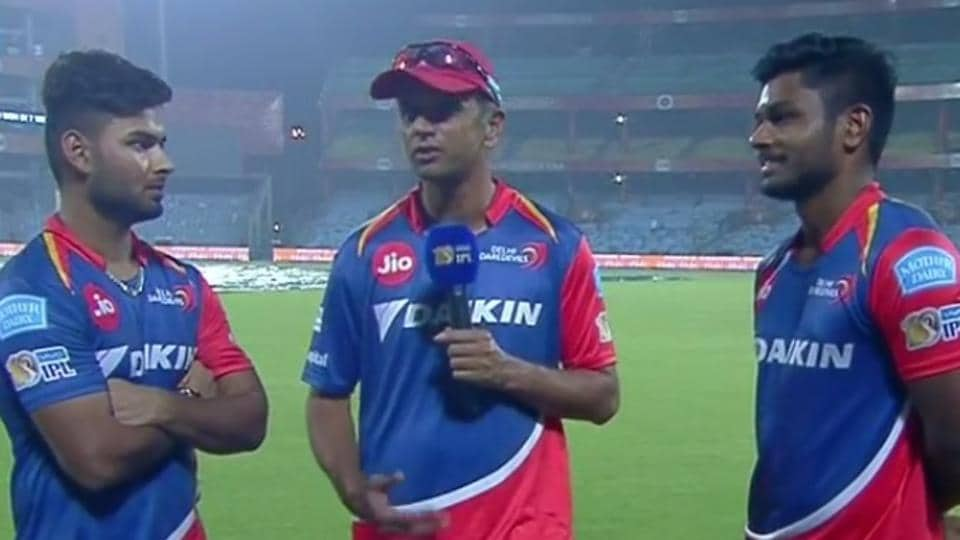 """""""I'm glad they haven't been watching too many videos of me batting when we need 208 in 20 overs,"""" Rahul Dravid joked during his discussion with Delhi Daredevils players Rishabh Pant and Sanju Samson."""