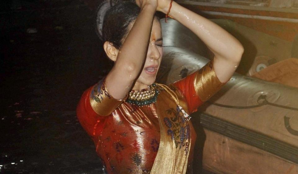 Varanasi Actress Kangana Ranaut takes a holy dip in the Ganga river in Varanasi on May 4, 2017. (Photo: IANS)