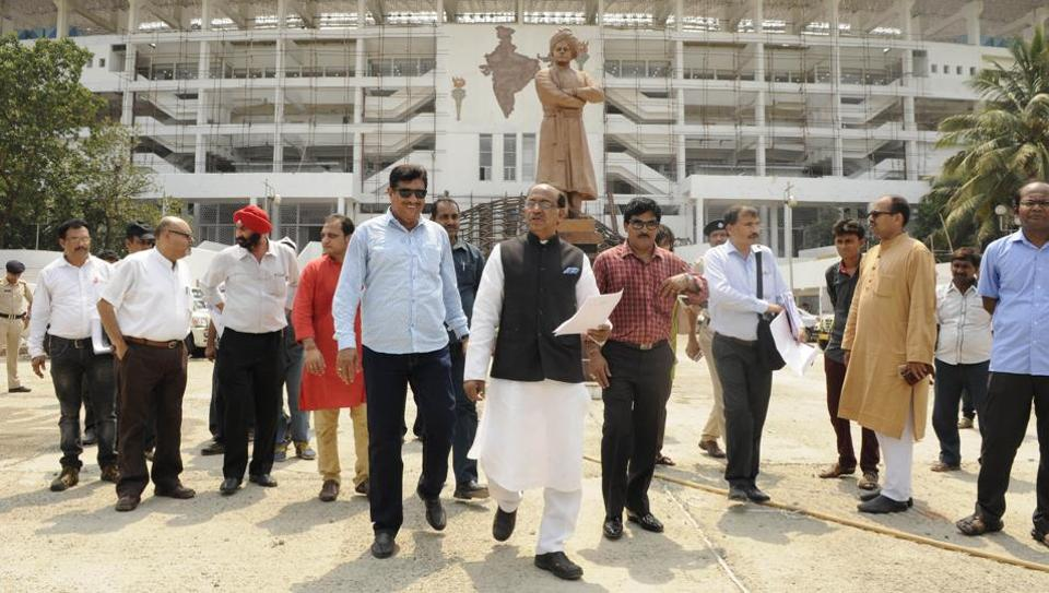 Union Sports Minister Vijay Goel visits Vivekananda Yubabharati Stadium (Salt Lake Stadium) in Kolkata on May 5 to assess the preparation for the U-17 FIFA World Cup.