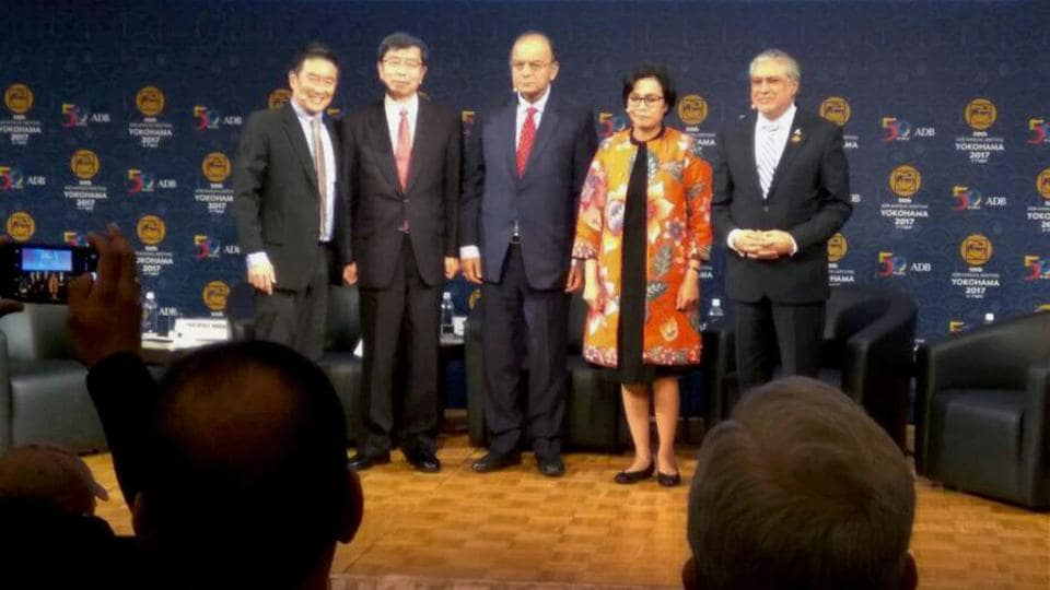 Finance minister Arun Jaitley with his Pakistani counterpart (1st R) Ishaq Dar were seen together on a stage for the first time at the ADB annual meeting in Yokohama on May 6.