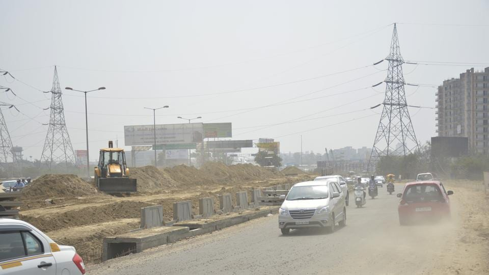 Commuters coming from Moradabad, Ghaziabad and Noida will have to move left for around 100 metres before reaching the UP Gate and will be allowed to enter Delhi through a ground level route on the left side of the road, adjacent to the Ghazipur flyover.