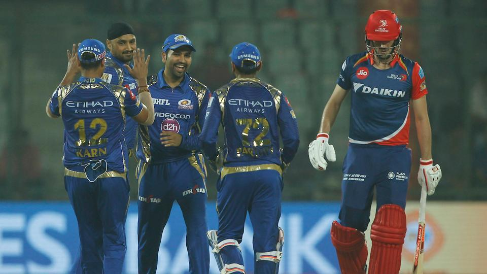 Mumbai Indians thrashed Delhi Daredevils by 146 runs to become the first team to qualify for IPL 2017 playoffs. Get full cricket score of Delhi Daredevils (DD) vs Mumbai Indians (MI) here