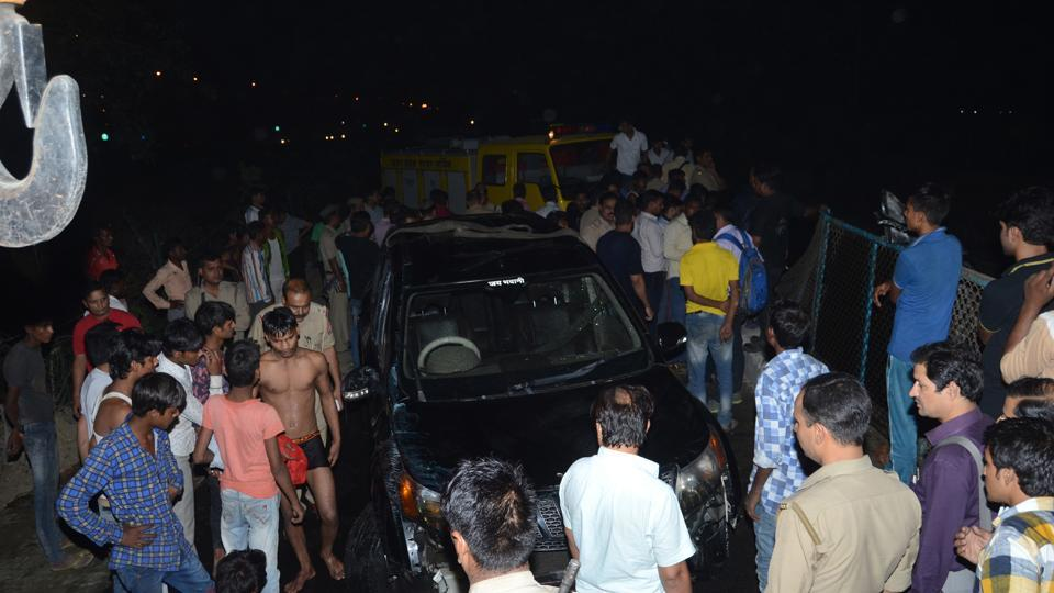 Ghaziabad,one dead,Hindon canal